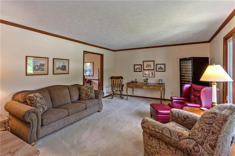 317 Redbay Drive Noblesville, IN 46062 | MLS 21644972 | photo 3