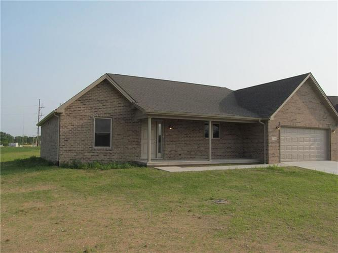 1764 Bell Ford Drive W Seymour, IN 47274 | MLS 21644999 | photo 2