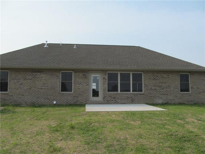 1764 Bell Ford Drive W Seymour, IN 47274 | MLS 21644999 | photo 3