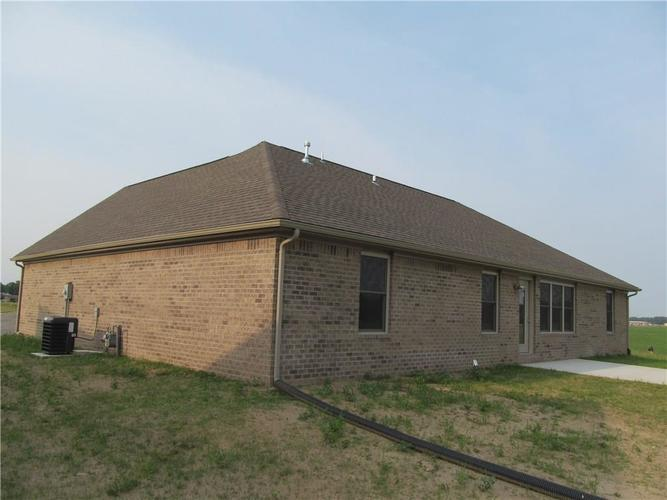 1764 Bell Ford Drive W Seymour, IN 47274 | MLS 21644999 | photo 4