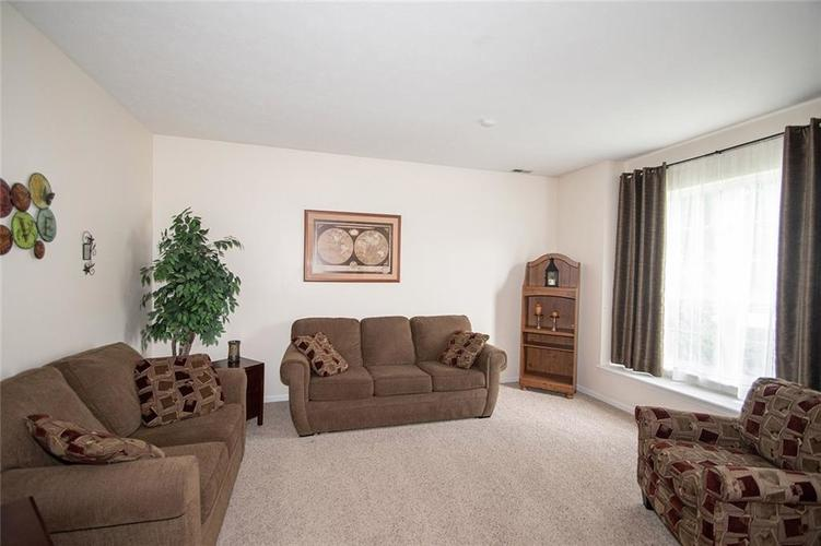 12513 Tealwood Drive Indianapolis, IN 46236 | MLS 21645034 | photo 5
