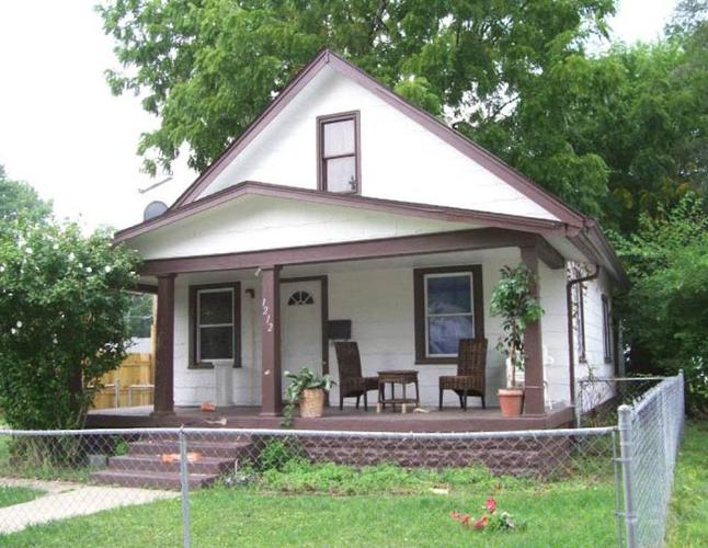 1212 N HOLMES Avenue Indianapolis, IN 46222 | MLS 21645071 | photo 1
