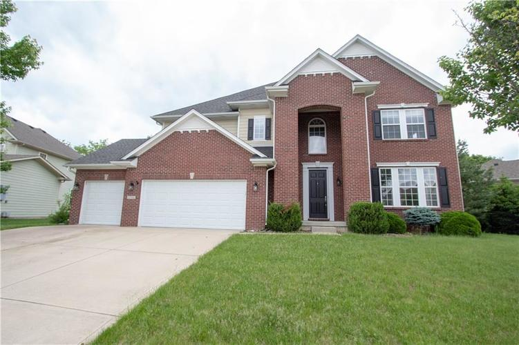 15744 Buxton Drive Westfield, IN 46074 | MLS 21645100 | photo 2