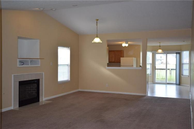 1292 Constitution Drive Indianapolis, IN 46234 | MLS 21645141 | photo 4