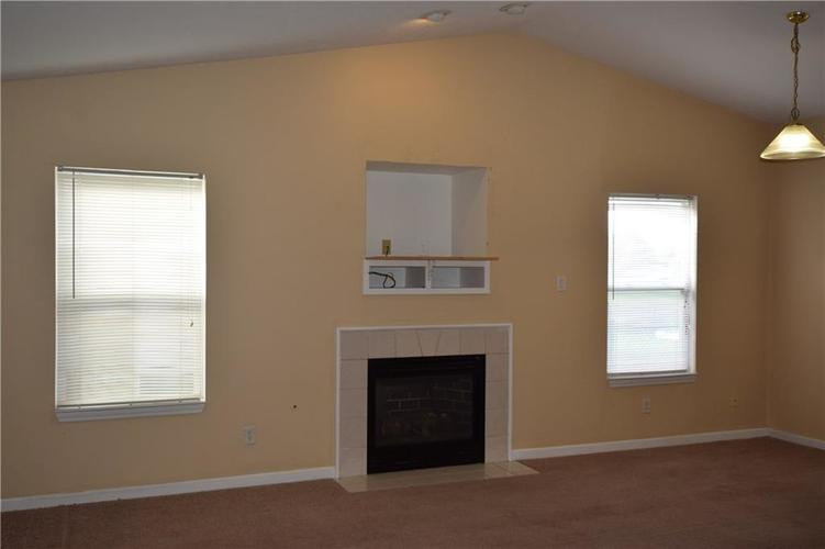 1292 Constitution Drive Indianapolis, IN 46234 | MLS 21645141 | photo 5