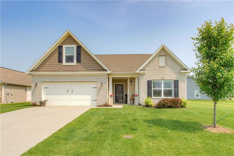 6436 W Whiteside Court Greenfield, IN 46140 | MLS 21645144 | photo 1
