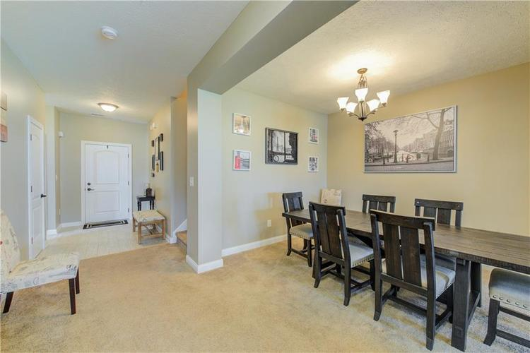 6436 W Whiteside Court Greenfield, IN 46140 | MLS 21645144 | photo 2