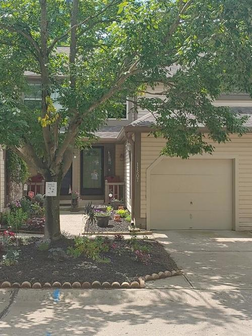 11507 Valley View Lane Indianapolis, IN 46236 | MLS 21645197 | photo 1