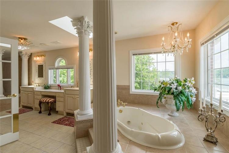7740 N Lakeview Drive Unionville, IN 47468   MLS 21645224   photo 29