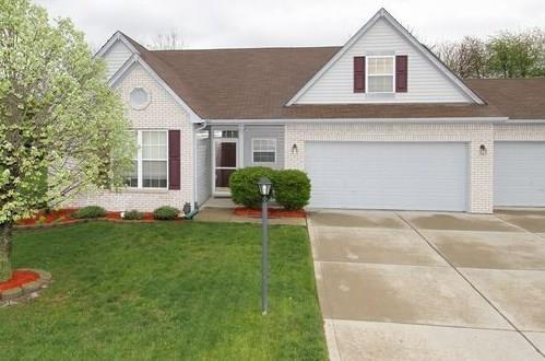 905 Port Drive Avon, IN 46123 | MLS 21645238 | photo 1