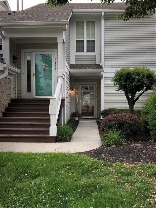 20853 Waterscape Way Noblesville, IN 46062 | MLS 21645250 | photo 2