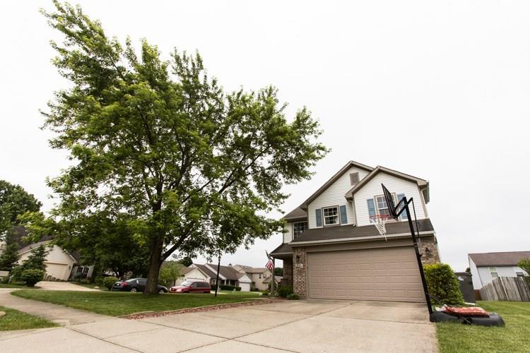 8444 Fort Sumter Drive Indianapolis, IN 46227 | MLS 21645262 | photo 2