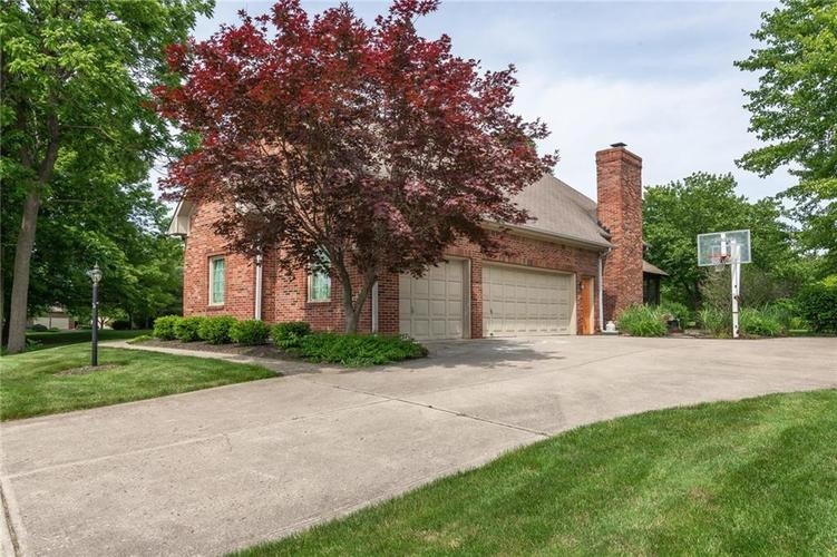 8731 Creekwood Lane Indianapolis, IN 46236 | MLS 21645323 | photo 2