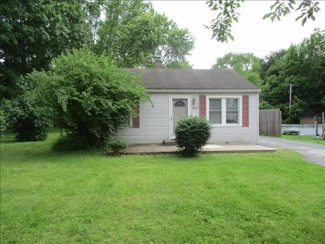 4947 W Welton Street Greenwood, IN 46143 | MLS 21645341