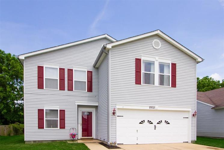 8902 Limberlost Court Camby, IN 46113 | MLS 21645352 | photo 1