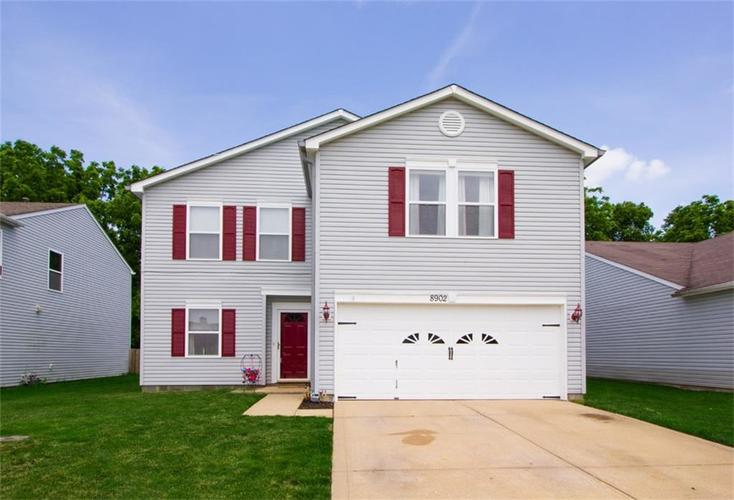 8902 Limberlost Court Camby, IN 46113 | MLS 21645352 | photo 2