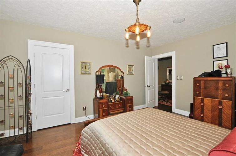 3702 Central Avenue Indianapolis, IN 46205 | MLS 21645416 | photo 28
