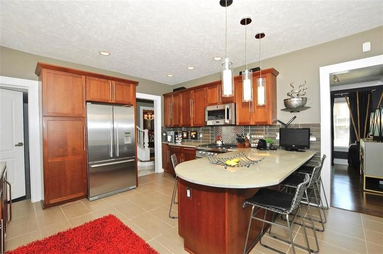 3702 Central Avenue Indianapolis, IN 46205 | MLS 21645416 | photo 4
