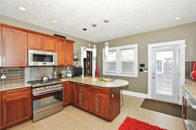 3702 Central Avenue Indianapolis, IN 46205 | MLS 21645416 | photo 5