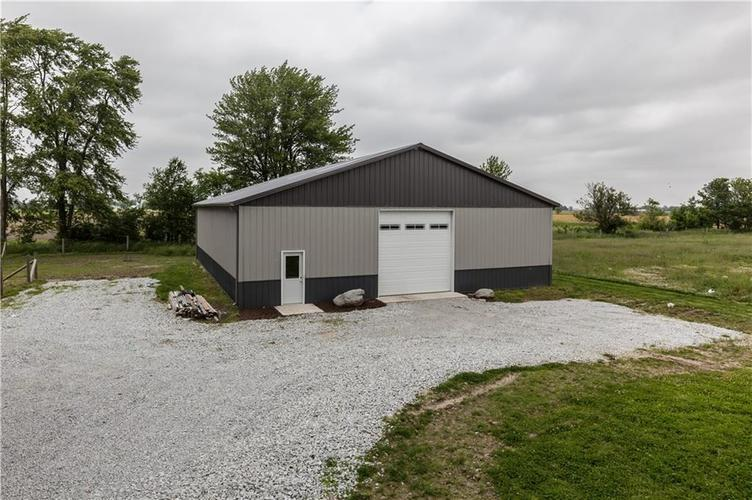 7918 W Division Road Tipton, IN 46072 | MLS 21645421 | photo 1