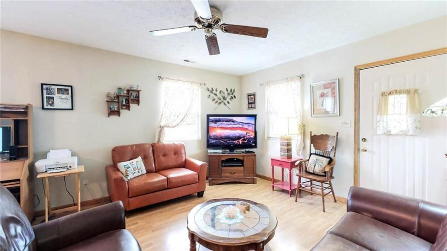 7623 Southeastern Avenue Indianapolis, IN 46239 | MLS 21645439 | photo 10