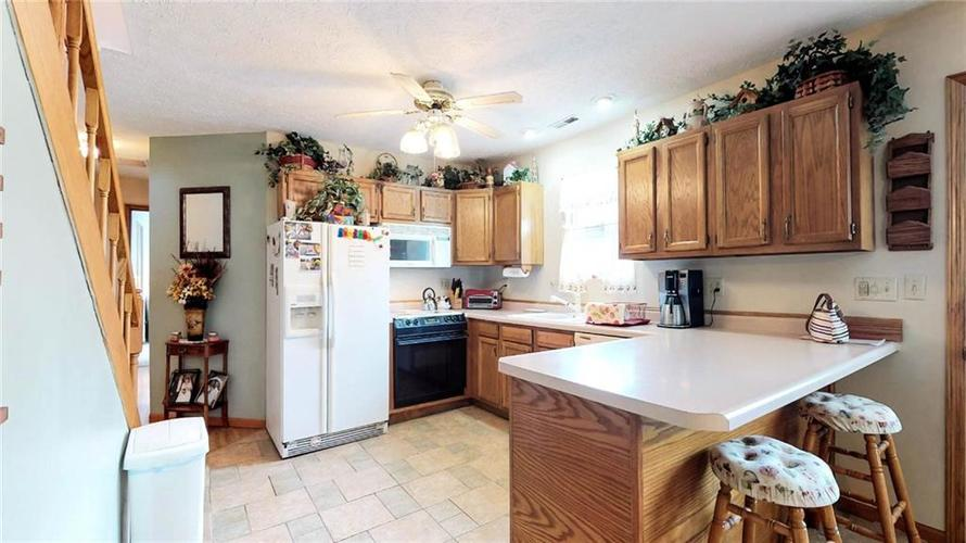 7623 Southeastern Avenue Indianapolis, IN 46239 | MLS 21645439 | photo 11