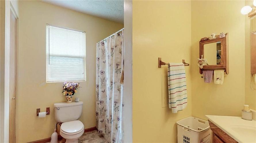 7623 Southeastern Avenue Indianapolis, IN 46239 | MLS 21645439 | photo 14