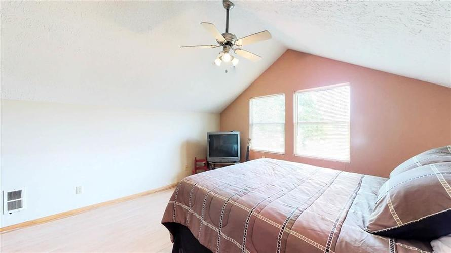 7623 Southeastern Avenue Indianapolis, IN 46239 | MLS 21645439 | photo 19