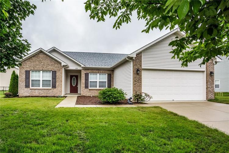 1688 Rosewood Drive Avon, IN 46123 | MLS 21645448 | photo 1