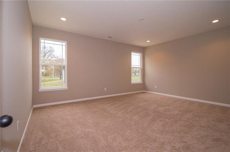 7232 Wooden Grange Drive Indianapolis IN 46259 | MLS 21645458 | photo 17