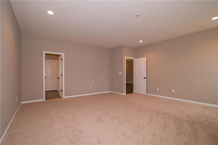 7232 Wooden Grange Drive Indianapolis IN 46259 | MLS 21645458 | photo 20