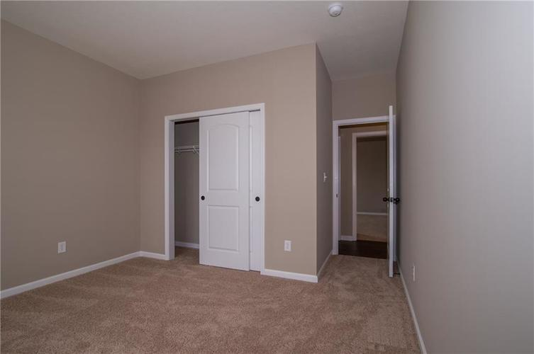 7232 Wooden Grange Drive Indianapolis IN 46259 | MLS 21645458 | photo 27