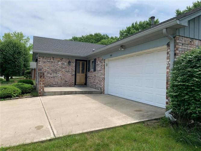 3001  Earl Drive Indianapolis, IN 46227 | MLS 21645459