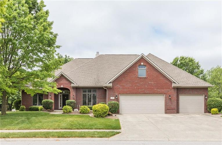 1104 Forest Commons Drive Avon, IN 46123 | MLS 21645494 | photo 1
