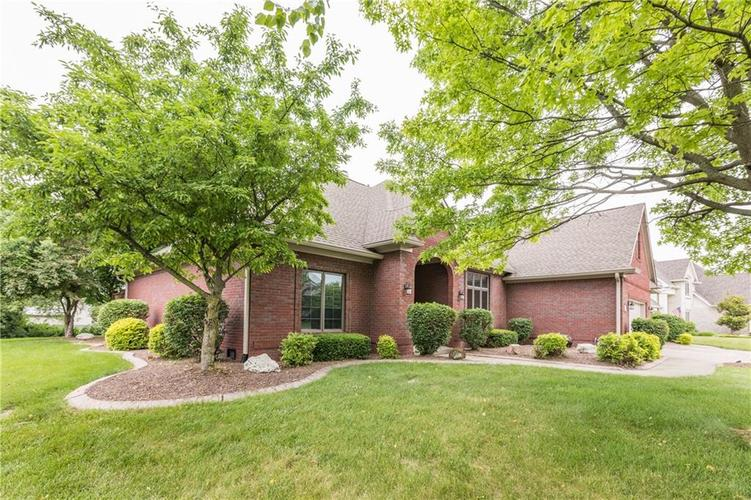 1104 Forest Commons Drive Avon, IN 46123 | MLS 21645494 | photo 3