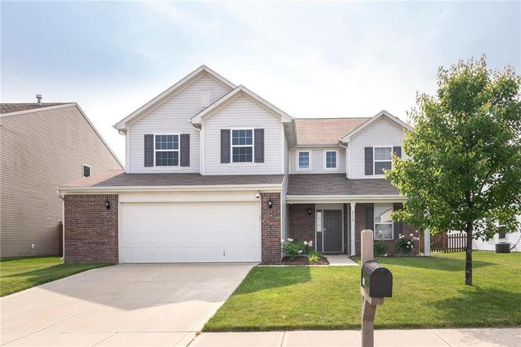 6514 Clary Circle Drive Greenwood, IN 46143 | MLS 21645498 | photo 1