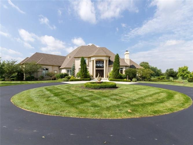 11085 QUEENS WAY Circle Carmel, IN 46032 | MLS 21645513 | photo 1