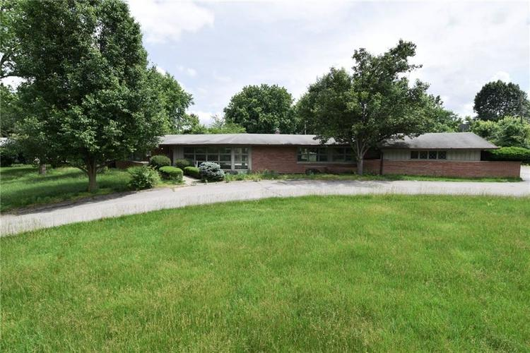 1125 E Southport Road Indianapolis, IN 46227 | MLS 21645527 | photo 2