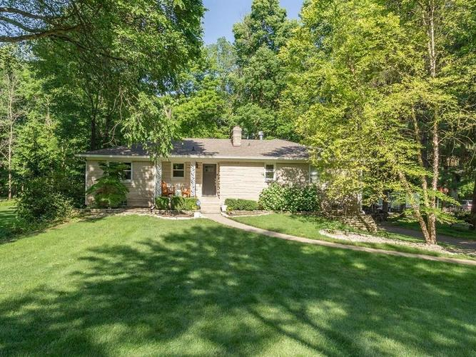 6461 N Oakland Avenue Indianapolis, IN 46220 | MLS 21645584 | photo 1