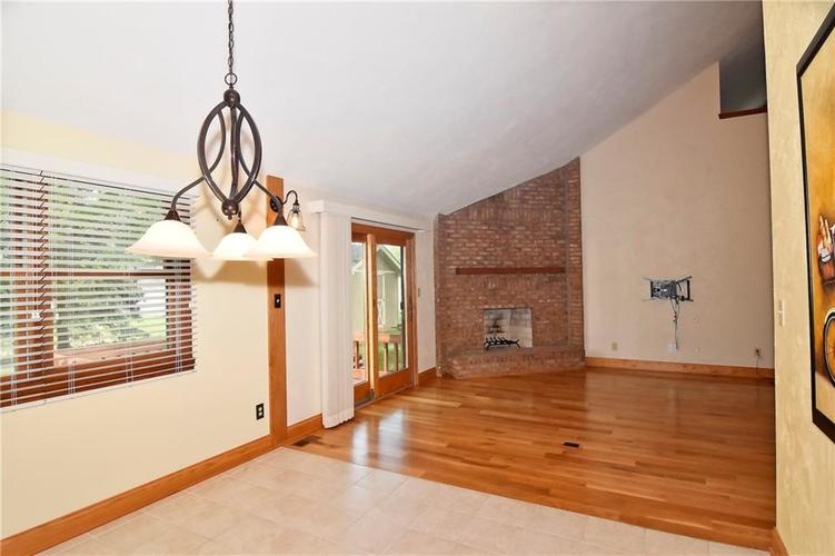 3632 Country Walk Circle Indianapolis, IN 46227 | MLS 21645632 | photo 11