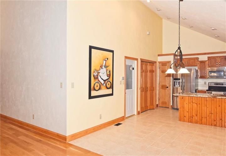 3632 Country Walk Circle Indianapolis, IN 46227 | MLS 21645632 | photo 13