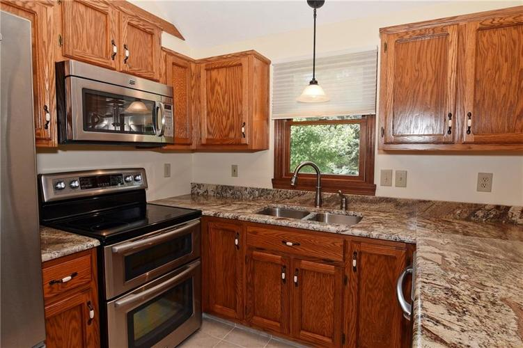 3632 Country Walk Circle Indianapolis, IN 46227 | MLS 21645632 | photo 8