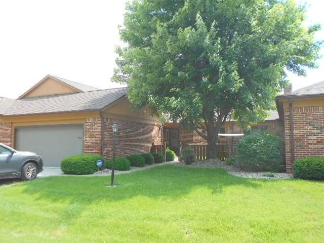 226 COLLEGE Parkway #UNIT B Anderson, IN 46012 | MLS 21645710 | photo 1