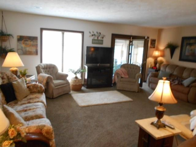 226 COLLEGE Parkway #UNIT B Anderson, IN 46012 | MLS 21645710 | photo 5