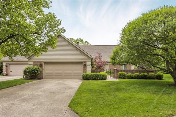 8485  Olde Mill Circle West Drive Indianapolis, IN 46260 | MLS 21645741