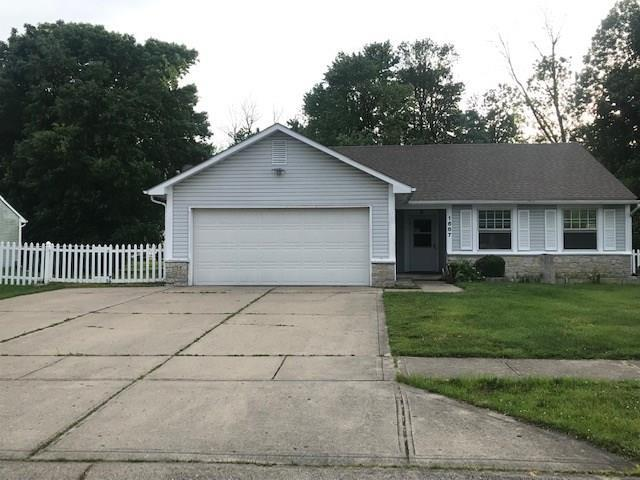 1687 Fountain Lake Drive W Shelbyville, IN 46176   MLS 21645758   photo 1