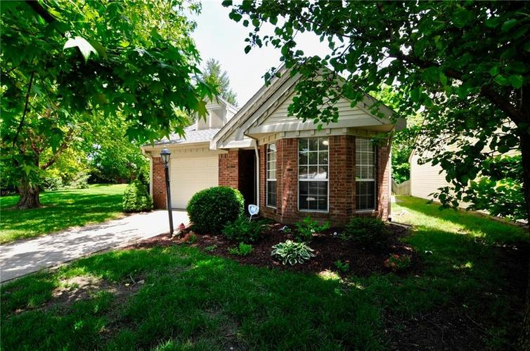 9535 E Colony Pointe Drive Indianapolis, IN 46250 | MLS 21645870 | photo 1