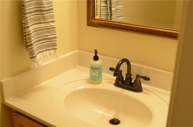 12630 TEALWOOD Drive Indianapolis, IN 46236   MLS 21645885   photo 16