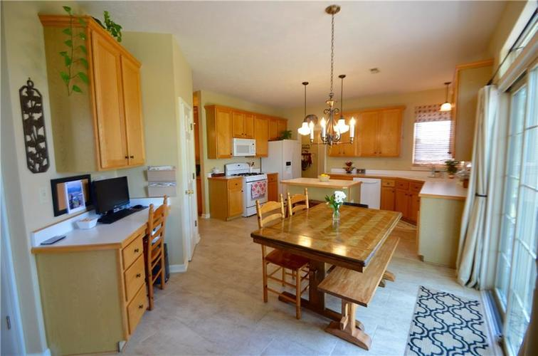 12630 TEALWOOD Drive Indianapolis, IN 46236   MLS 21645885   photo 9