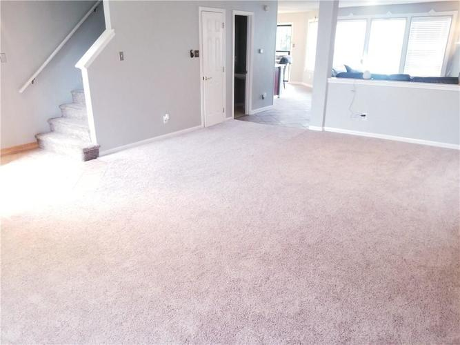 5136 Whisenand Drive Indianapolis, IN 46254 | MLS 21645888 | photo 3